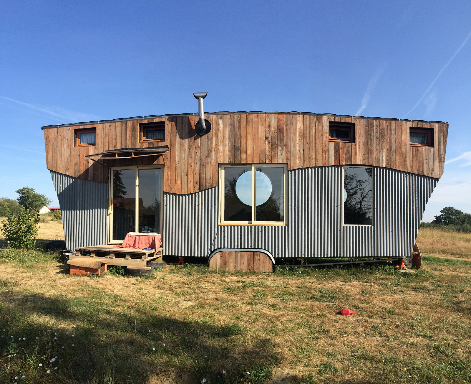 Tiny Home In France Lloyd S Blog