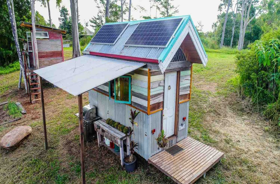 Tiny Home on Wheels from Recycled Materials in Australia